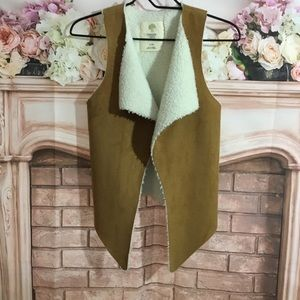 NWOT Tucker & Tate Faux Shearling Vest Girls 7/8